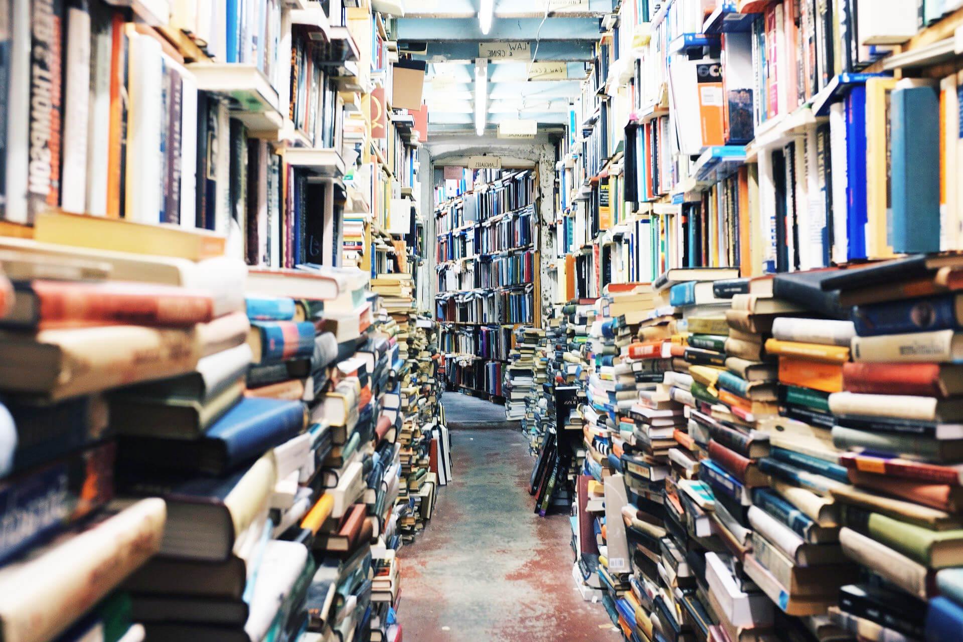 Bibliothek mit Bestseller Büchern